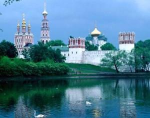 עבודה ברוסיה - יש זמן לטיול בגן